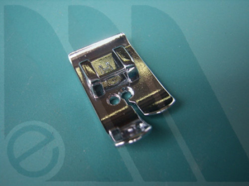 Suola Janome cucitura diritta per rotative 7mm (blister)